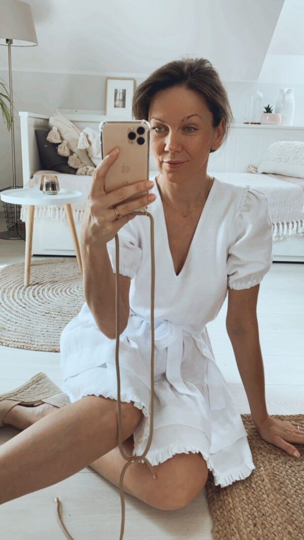 sukienka mini biała z lnu